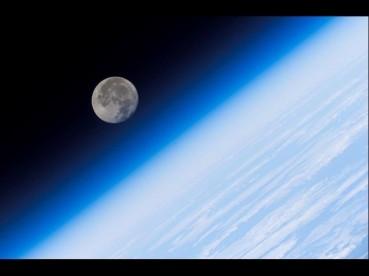 Lune-et-la-Terre