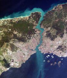 Cieśnina Bosfor nad nią w obecnym Yoros znajdowała się biblijna Jerozolima. Izajasza 33:20,21 wg LXX, widoczny skutek silnych prądów morskich w cieśninie..