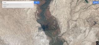 Jordan i jego meandry wyżlobiły szeroką dolinę ale rzeka nadal jest wąska , jak w starożytności, widać to po widocznych śladach dawnych meandrów. Nie jest to biblijny Jordan, bo Jordan rzeczywisty to cieśnina Bosfor. Celem legalizacji Palestyny jako ziemi obiecanej zamieniono w Biblii nazwę cieśniny Bosfor na Jordan.