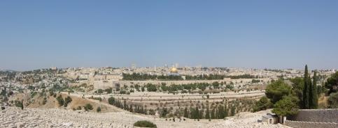 Panorama obecnej Jerozolimy : całkowicie nie odpowiada opisowi z Izajasza 33;20,21 wg LXX, nie jest to Jerozolima obok której przepływały galery.